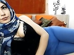 teaser girl with hijab #cameltoe