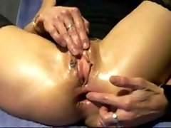 Crazy anal skills of a hot blonde milf lady on webcam