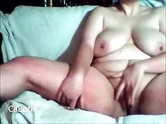 Plump bitch with saggy tits masturbates for me on cam