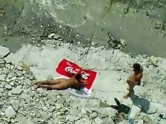 I caught naked couple having sexy fun o the beach on my spy camera