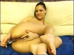 Hot webcam girl starts really gentle with her anus