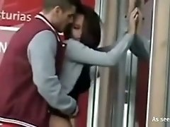 Horn-mad amateur couple fucks right in the public roof cafe