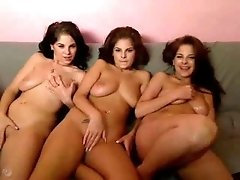 three hottie webcam show on couch- livecamgals.net