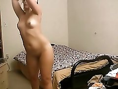 Blonde camgirl shows her butt to the audience