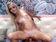 Hot Couple Hardcore Sex with Cumshot