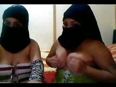 These naughty Arab lesbians know how to put on a show