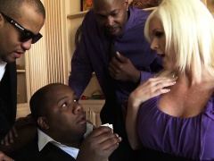 Mofos - Milfs Like It Black - Campaignin for