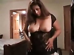 Perverted mature webcam nympho in black lingerie goes solo on chair