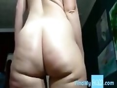 PAWG shakes in front of the camera