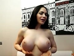 Latin bimbo with oversized tits mastrubates in front of camera