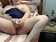 Webcam solo with a nerdy fattie playing with a dildo