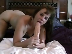 Big bottomed slutty as fuck webcam nympho fucked anus with toy