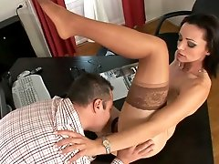 Attractive well shaped brunette Cameron Cruise blows a cock