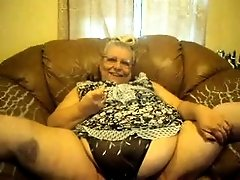 Dirty and fat old slut on cam can spread her legs like a gymnast