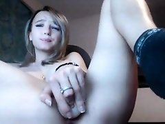 Hard shaking orgasm for cute blonde cam girl