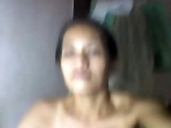 Super bosomy Filipina mom strips and boasts of her big naturals