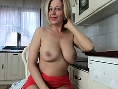 Perfect Blonde Camslut Will Make You A Bonner