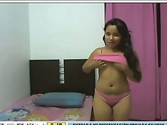 Tanned Latina teen with stunningly curvy body drives me crazy on webcam