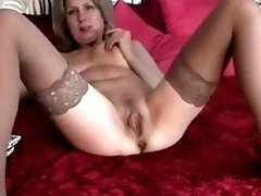 This mature lady gives free webcam show for all college boys