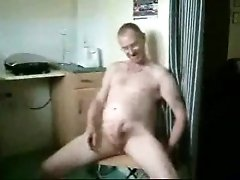 Wanking and cumming in front of the camera for your viewing pleasure