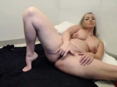 Sexy blonde mommy with big juicy ass