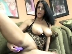 Brunette MILF Lavender Rayne is toying her mature twat